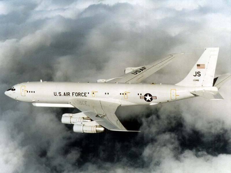 Cúmulo de estrellas E-8 J-STARS aeronaves de observación y focalización de largo alcance