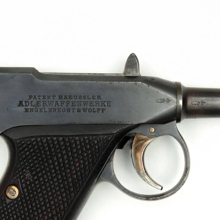 Pistola de Adler