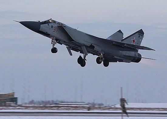 中央軍事地区のKansk防空グループはアップグレードされたMiG-31BM迎撃戦闘機を完全に再装備