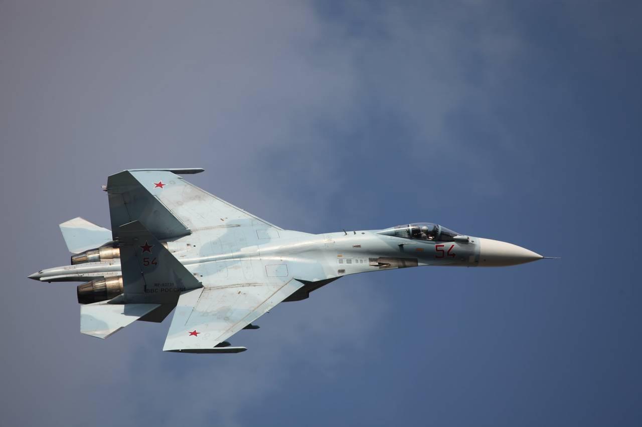 Jatos de combate russos invadem espaço aéreo da Ucrânia