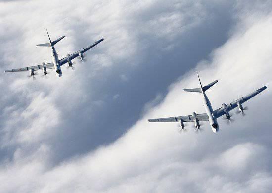 Las tripulaciones de la aviación de largo alcance de la Fuerza Aérea Rusa completaron con éxito el vuelo de acuerdo con el plan estratégico de contención.