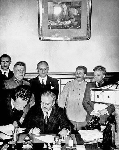 ¿Era posible prescindir del Pacto Molotov-Ribbentrop?