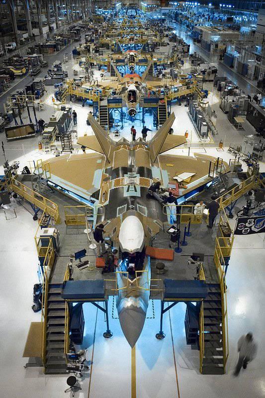 На заводе по сборке F-22