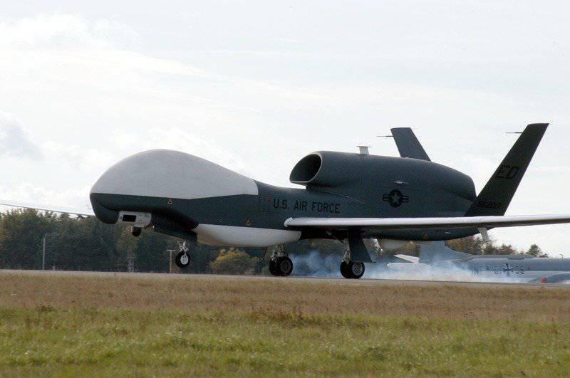 अमेरिकी ड्रोन किनारों को धुंधला करते हैं