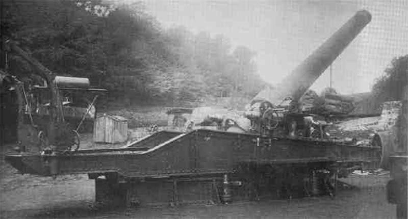 रेलवे ट्रांसपोर्टर पर बंदूकें। फ्रेंच 240 मिमी 1884 / 17 M