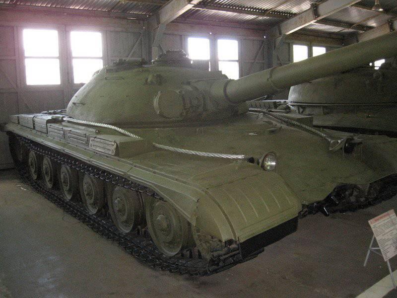 """Tanque pesado experimentado soviético """"Objeto 770"""""""