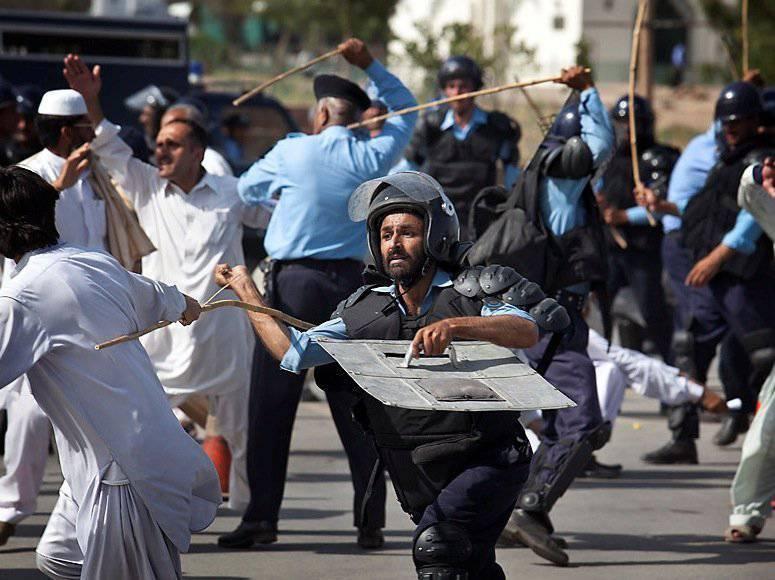 पाकिस्तान: कैनेडियन स्प्रिंग