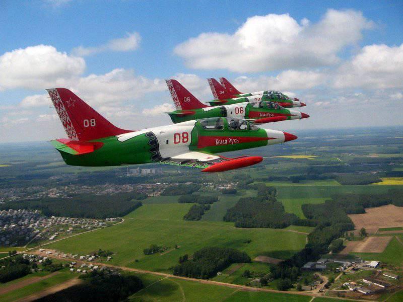 Ясно, что использовать учебно-боевой самолет в условиях вражеского превосходства в воздухе совершенно.