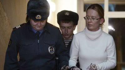 Ekaterina Smetanova:出て行く途中のもので...