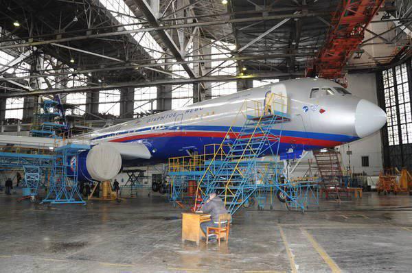Listo el segundo Tu-214ON
