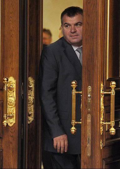 Una telenovela sobre un ex ministro de defensa: un episodio de otro.