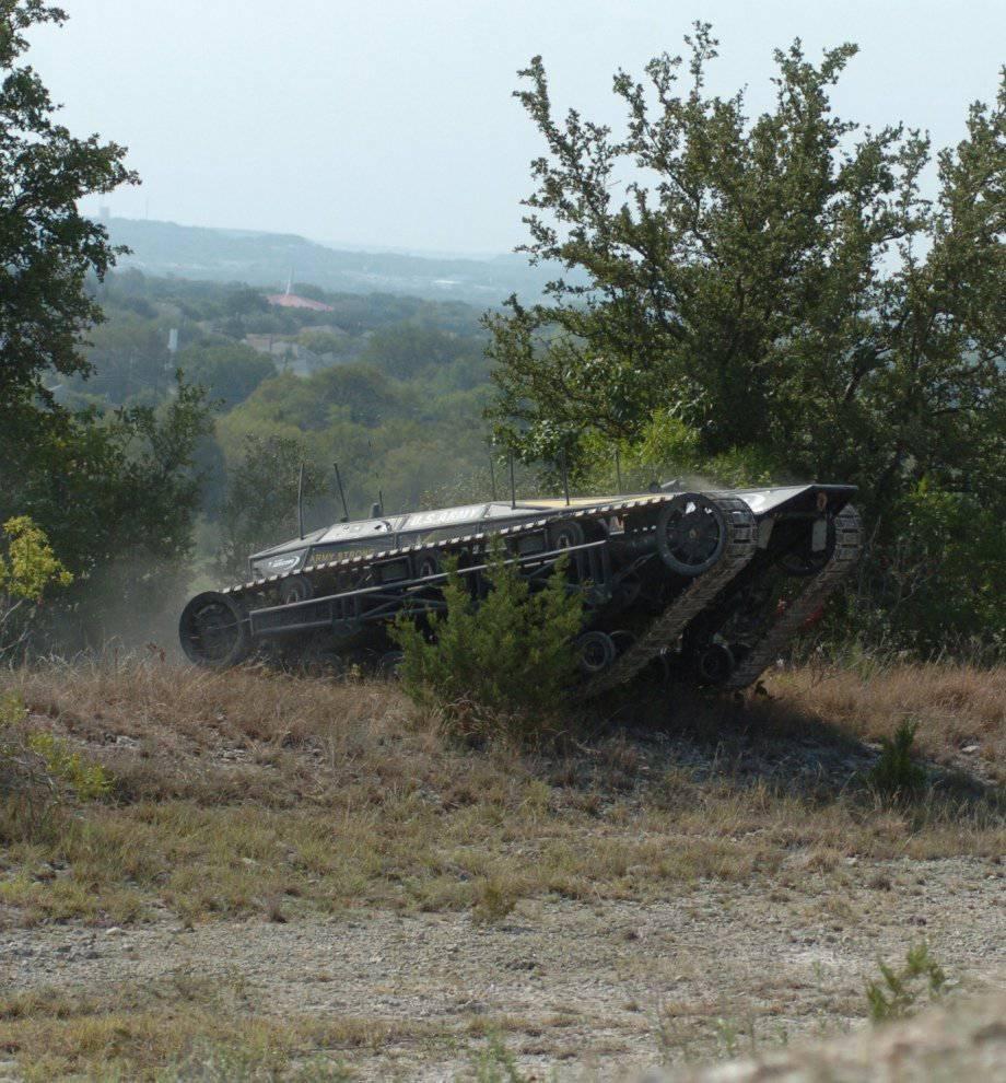 Боевой беспилотный наземный аппарат Ripsaw-MS2