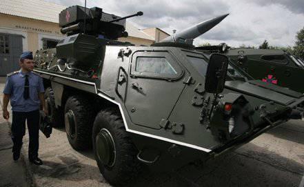 यूक्रेन 200 बख्तरबंद कर्मियों के वाहक के बारे में इराक को हस्तांतरित BTR-4E अनुबंध के भाग के रूप में 2009 में संपन्न हुआ