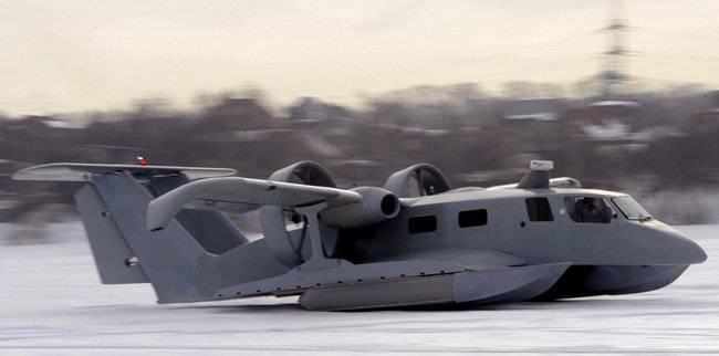 """Nuevo barco anfibio probado """"Petrel-24"""""""