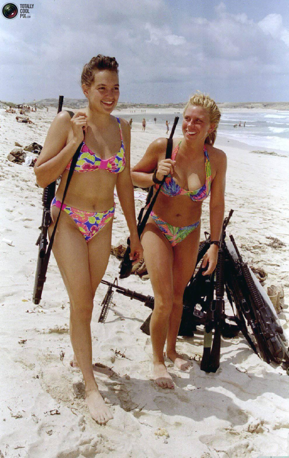 Девушки китая с оружи фото