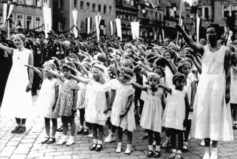 Детская фабрика нацистов