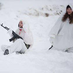 Bellezas rusas enviadas a buscar minas.