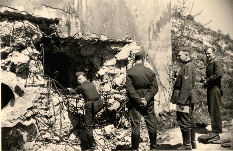 Захват немецкими парашютистами форта Эбен-Эмаэль