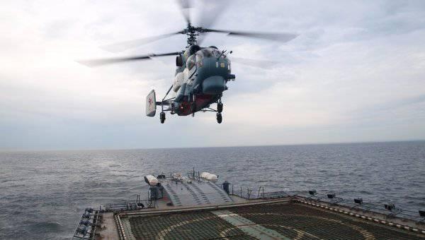 """La nueva corbeta """"Boky"""" primero se embarcó en el helicóptero de cubierta"""