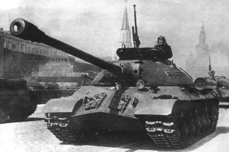 Chars lourds de l'URSS dans l'après-guerre
