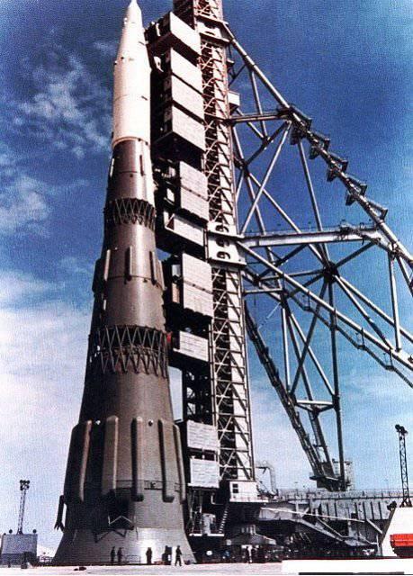 """Cohete H-1 - """"Zar-cohete"""""""