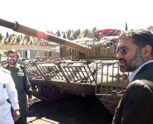 シリアのタンク乗組員は、イランとイラクの同僚を利用する必要があります