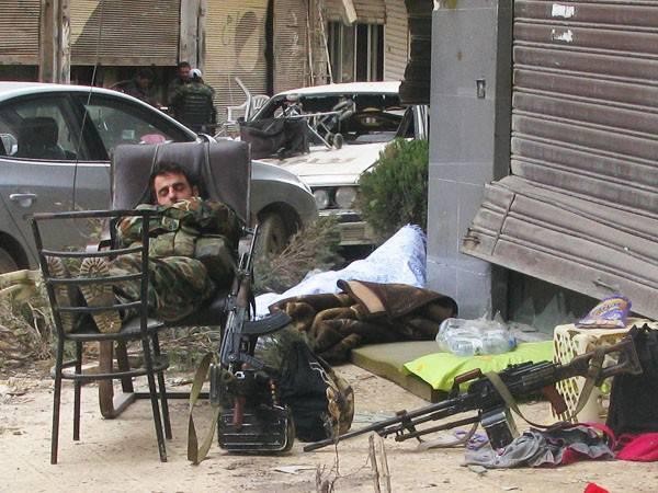 सीरियाई ज्योति के स्पार्क। सीरिया से फोटो रिपोर्ट