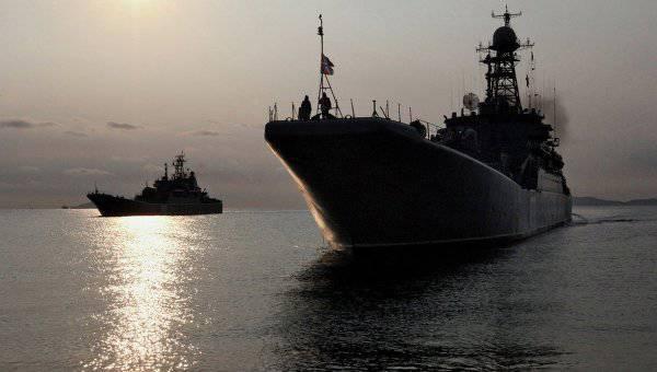 Comandante-em-chefe da Marinha: a Rússia pode criar esquadrões nos oceanos Índico e Pacífico
