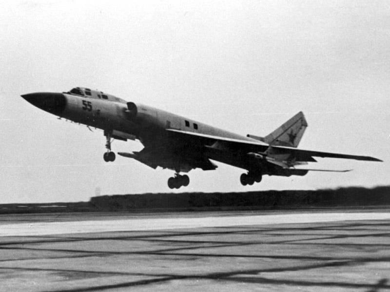 Дальний барражирующий истребитель-перехватчик Ту-128 (Часть 2) Серийное производство и модификации