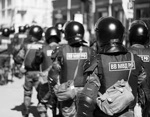 Il Ministero degli affari interni e i fornitori sono entrati in conflitto per la qualità dei caschi e dell'armatura