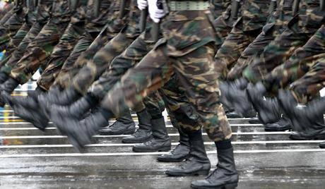 Kasachstan: militärische Ausbildung für Geld