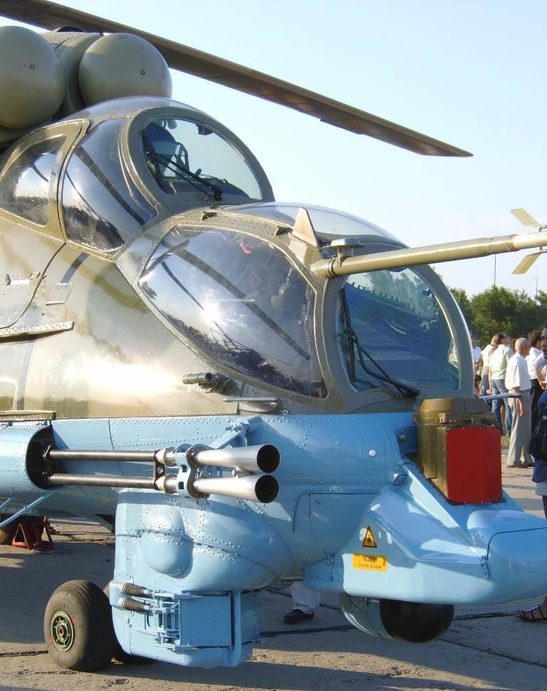 伝説の戦闘ヘリコプターMi-40(24の一部)への5年修正月