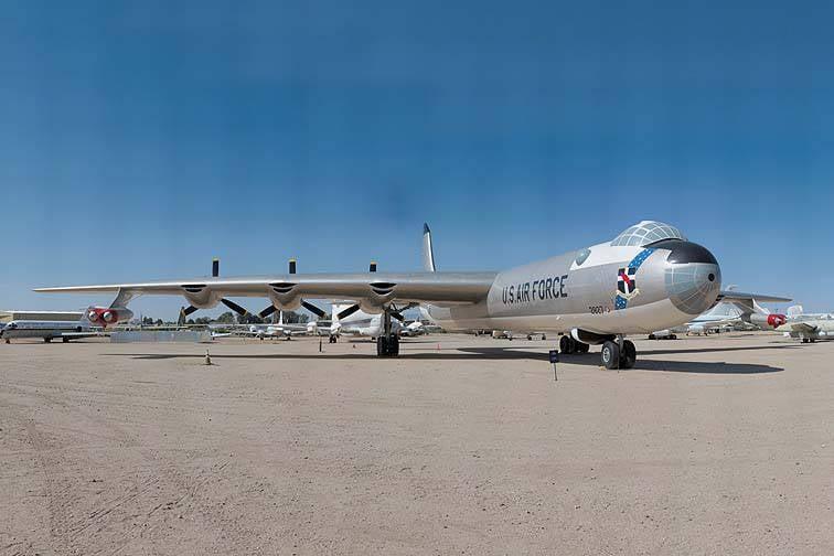 Convair B-36 장거리 미국 전략 폭격기 (1의 일부)