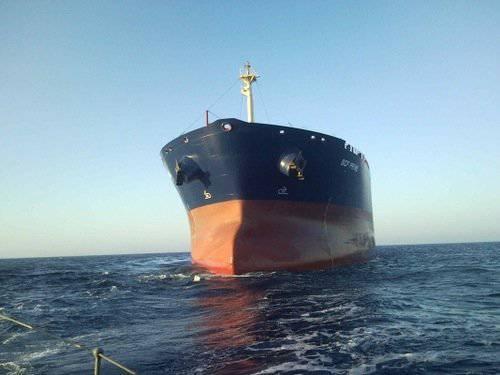 Сомалийские пираты отпущены на свободу в 300 милях от побережья. Каждому выдан спасательный якорь