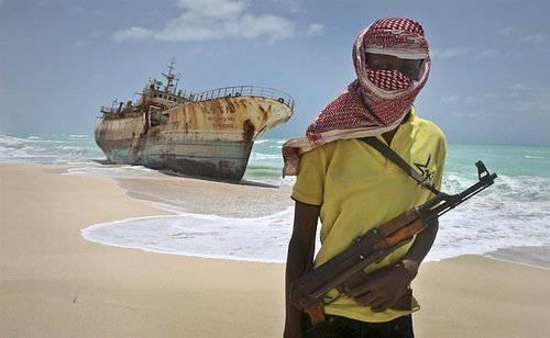 Piratas somalíes liberados en 300 millas de la costa. Todos recibieron un ancla de rescate.