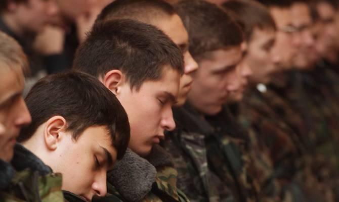Difficultés de la conscription: le ministère de la Défense renvoie la jeunesse du Caucase du Nord à l'armée