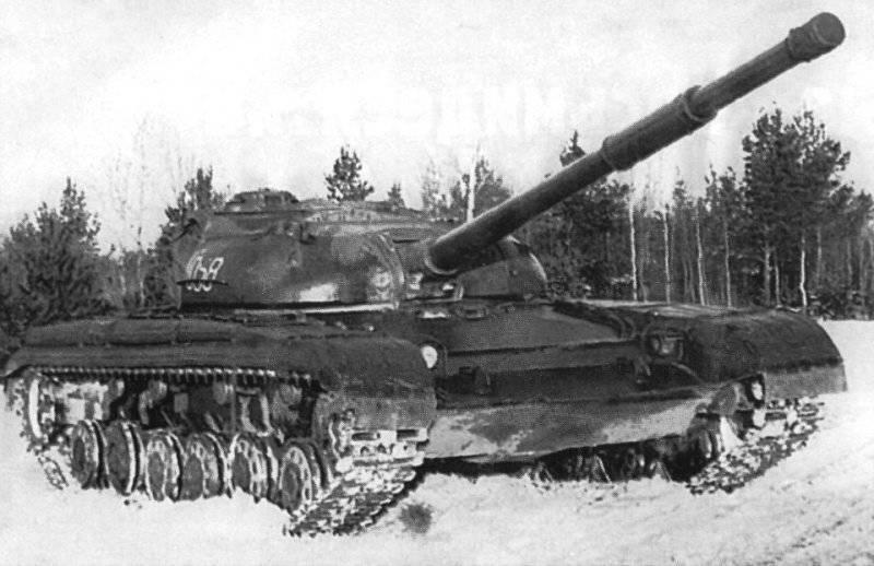 """El tanque """"objeto 432"""" en la serie recibió la designación T-64"""