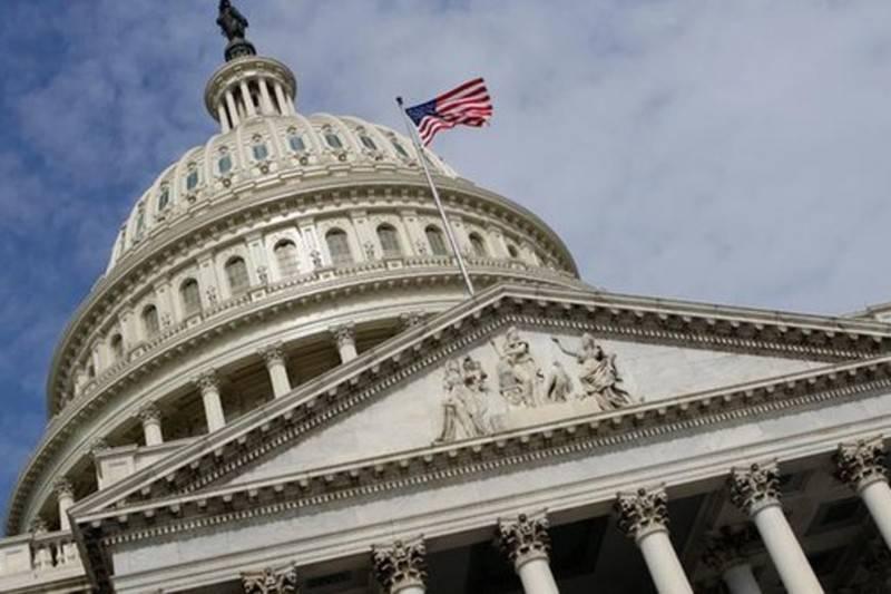 미국의 격리 : 미 국방부와 국무부 수축