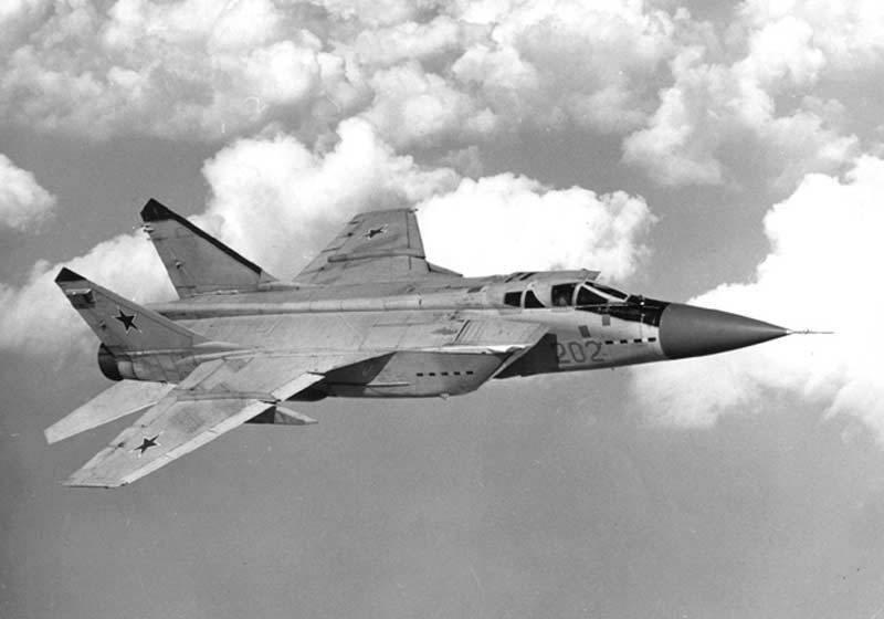 MiG-31 contre SR-71 au Kamchatka