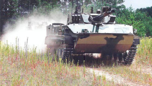 海外で武器を購入するのか、それともロシア軍に国内の武器を装備するのがよいのでしょうか。
