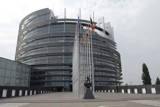 悪魔のようなプロジェクトの始まり、または親欧の反対が私たちを引っ張るヨーロッパは何ですか?