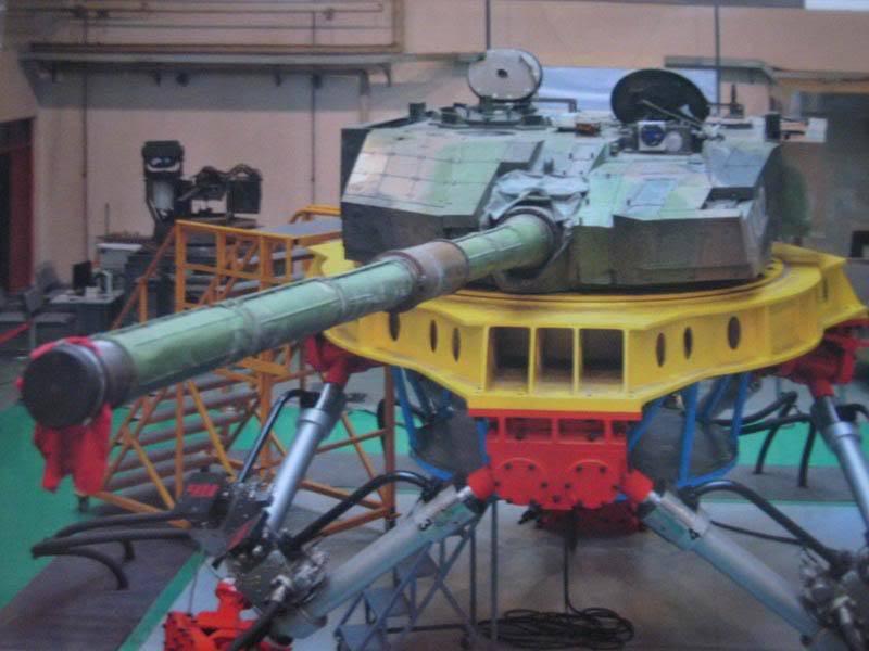 """탱크 """"Type 99X2"""". 대포 혁명 또는 일반적인 MBT?"""