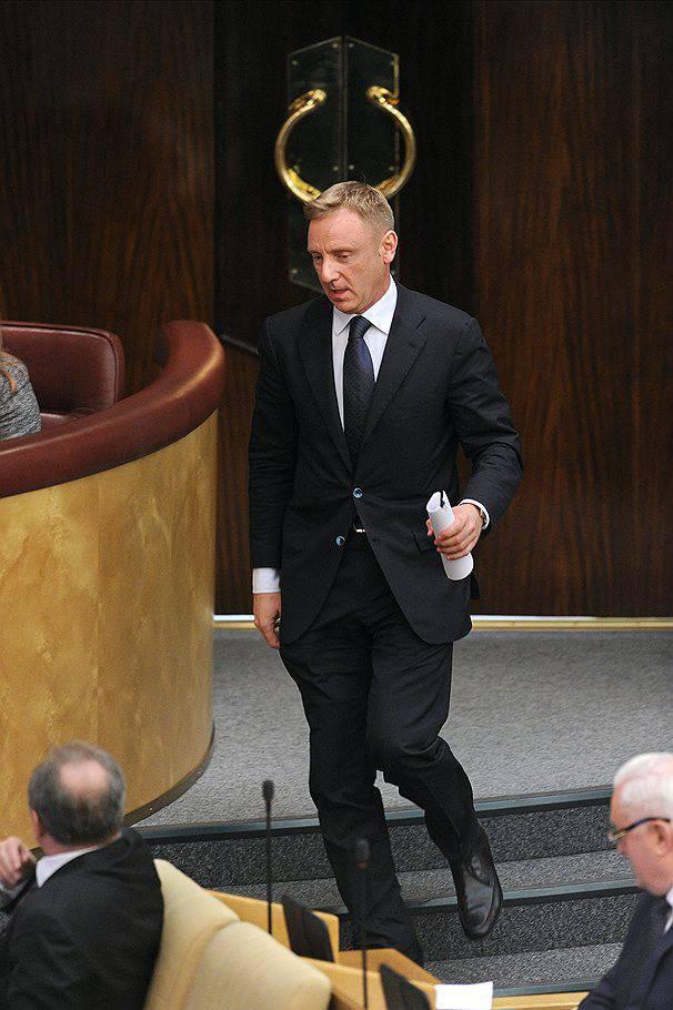 O que acontece se o Ministro da Educação Livanova for demitido?
