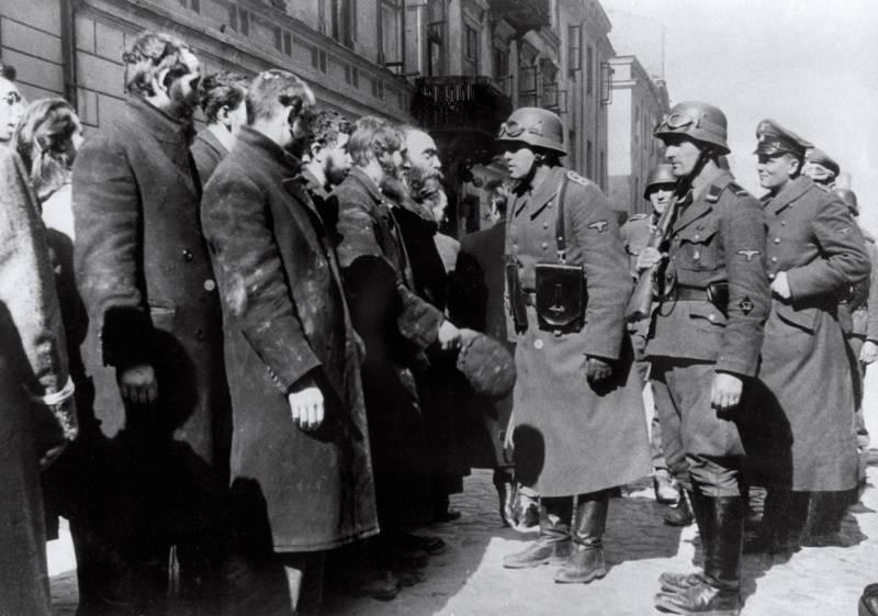 «Варшавского гетто больше не существует»