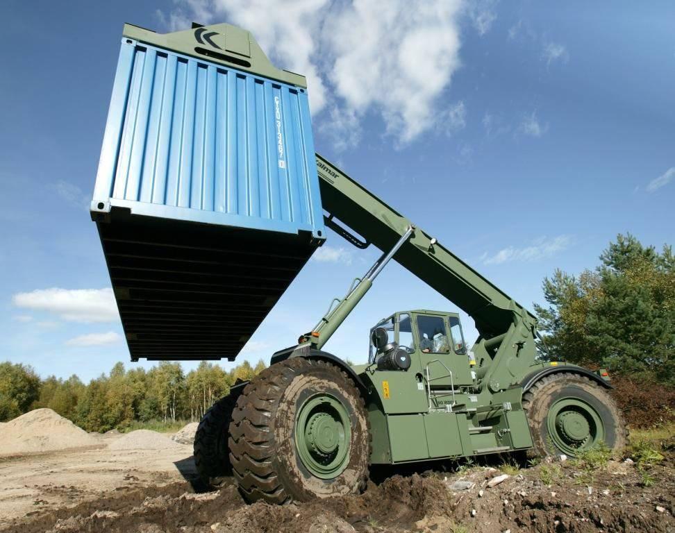 Elévateurs à conteneurs pour terrains accidentés