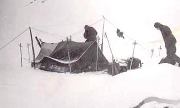 Это именно та, злополучная палатка установленная по всем правилам, только снимок из другого похода.