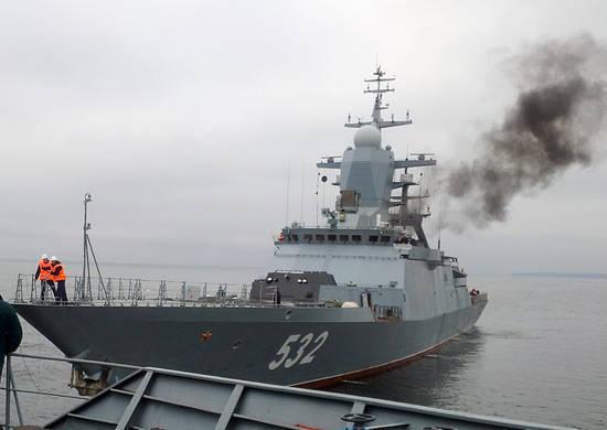 """코르벳 """"Boikiy""""은 발트해에서의 주 시험의 해양 부분 이후에 """"Northern Shipyard""""로 돌아 왔습니다."""