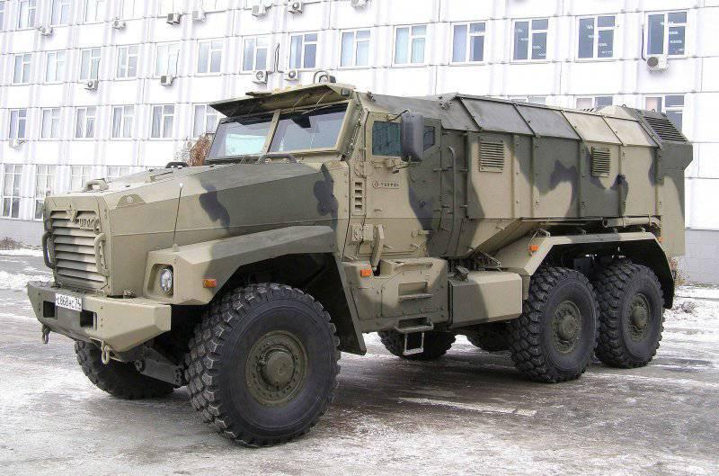 http://topwar.ru/uploads/posts/2013-04/thumbs/1365479016_4417.17.ural-63099.jpg