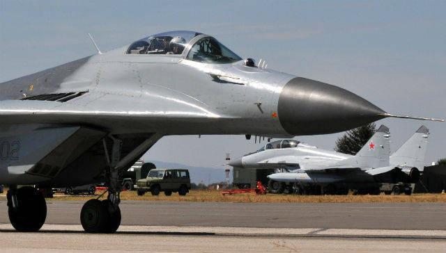 セルビアはすぐにMiG-29戦闘機とMi-17ヘリコプターを受け取る