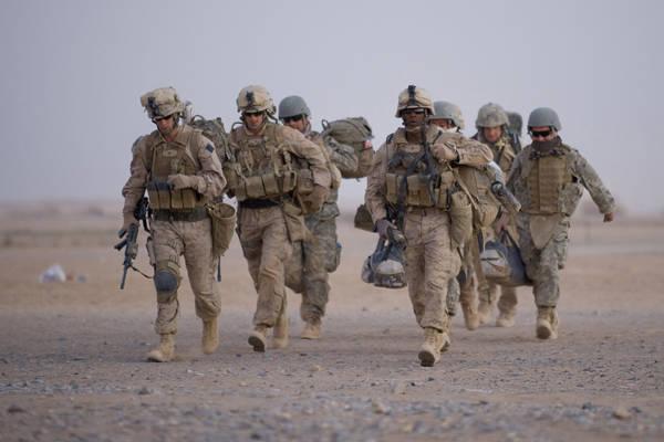 미국은 아프가니스탄에 9 개의 군사 기지를 남겨 둘 것을 요구했다.